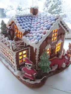 Mansikkamäki Christmas Home, Christmas Cookies, Christmas Holidays, Christmas Gifts, Xmas, Gingerbread Decorations, Gingerbread Houses, Cookie House, Little Houses
