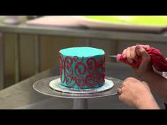 The White Flower Cake Shoppe: How to pipe scrolling with buttercream - YouTube