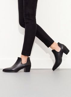 Cut out booties Boots 2016, Shoe Boots, Ankle Boots, Minimal Chic, Daily Wear, Wearing Black, Character Shoes, Me Too Shoes, Ideias Fashion