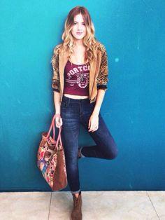 [Vía @Lupediaz_] Hoy look por @Felicity Urban @coca_cox @Sofidegrecia @delaostiadesign !!! Can che ra. pic.twitter.com/b7DN8qAz7o Felicity Urban