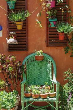 18 ideas para decorar patios y jardines Mexican Patio, Mexican Garden, Backyard Patio, Backyard Landscaping, Covered Back Patio, Mexican Style, Balcony Garden, Patio Design, House Colors