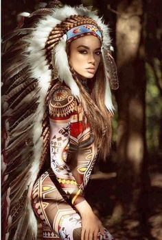 Indian women don't usually wear headresses, But this is beautiful. Red Indian, Native Indian, Native Girls, Beautiful People, Beautiful Women, Native American Beauty, Native American Headdress, Native American Costumes, Native American Warrior