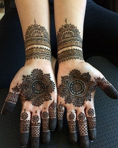 Explore latest Mehndi Designs images in 2019 on Happy Shappy. Mehendi design is also known as the heena design or henna patterns worldwide. We are here with the best mehndi designs images from worldwide. Henna Hand Designs, Dulhan Mehndi Designs, Mehndi Designs Finger, Round Mehndi Design, Simple Arabic Mehndi Designs, Mehndi Design Pictures, Mehndi Simple, New Bridal Mehndi Designs, Mehndi Designs For Fingers
