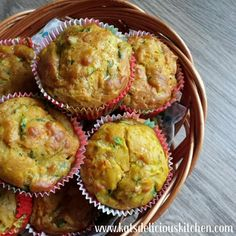 Ooooh, these veggies quiche cupcakes taste sooo good! 😋 They are so moist and soft in the middle, perfect for babies who are starting to eat solid, baby-led-weaning babies, toddlers and olde…
