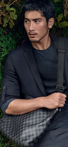 Godfrey Gao is the first Asian male model to appear in Louis Vuitton ads.  Source: Disgrasian