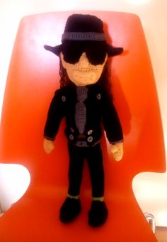 Udo Lindenberg Mickey Mouse, Disney Characters, Fictional Characters, Hahn, Amigurumi, Cotton Crochet, Hand Crafts, Michey Mouse, Fantasy Characters