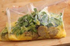 WHAAAAAAT?!?!? Ziplock baggy omelets? Easy peasy!