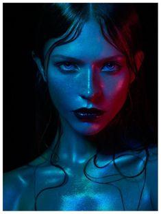Colour Gel Photography, Face Photography, Light Photography, Foto Portrait, Portrait Art, Art Reference Poses, Photo Reference, Photographie Portrait Inspiration, Portrait Lighting