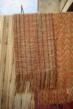 Quiero Pura Lana: 2° CLASE DE TELAR: cálculo para la urdimbre Textiles, Laundry Basket, Lana, Wicker, Weaving, Blanket, Diy, Spinning, Home Decor