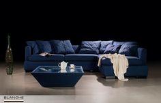В небольшом помещении угловой диван занимает меньше места, чем прямой диван и кресло, и позволяет разместить больше людей. А в просторных помещениях, если поставить угловой диван островным способом, можно отлично зонировать пространство. Наша серийная модель IPSONI в угловой конфигурации, кроме перечисленных преимуществ, порадует Вас еще и несравненным комфортом.