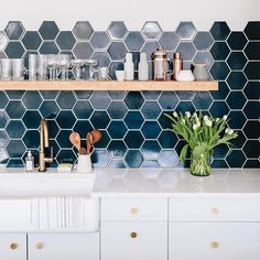 RG @cambriaquartz of @witanddelight_'s studio kitchen. We're big fans of hexagons in the kitchen (especially in this Navy Blue). Where would you use this shape?   #tiles #kitchen #cambriaquartz