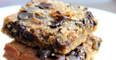 Flourless Chocolate Chip Chickpea Blondies with Sea Salt (vegan, gluten-free & healthy) So good! Flourless Chocolate Chip Chickpea Blondies with Sea Salt Recipe: www. Vegan Sweets, Healthy Baking, Healthy Desserts, Delicious Desserts, Dessert Recipes, Healthy Fats, Brownie Recipes, Baking Snacks, Healthy Cheesecake