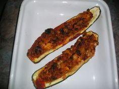Courgettes farçies au chorizo, Recette Ptitchef Unique Recipes, Vegan Recipes Easy, Diabetic Recipes, Chorizo, Western Diet, Proper Diet, Good Hair Day, Saturated Fat, Eating Plans