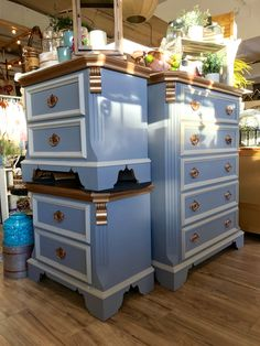 Ever find a lucky penny? This Quality Bassett bedroom set with copper accents is sure to bring you luck! Eclectic Grey located in FT Collins,CO