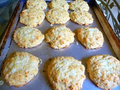 MOZZARELLA CHEESE BISCUITS - Low Carb YUM!
