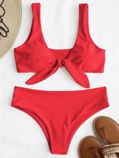 Conjunto de bikini con nudo frontal acolchado