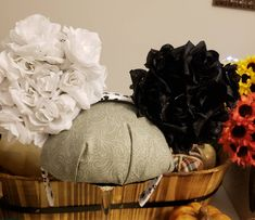 Black & white Rose's inspired by Cruella Deville Cartoon Network Adventure Time, Adventure Time Anime, Disney Halloween Ears, Packing List For Disney, Modern Family Quotes, Black And White Roses, Cruella Deville, The Mindy Project, American Dad