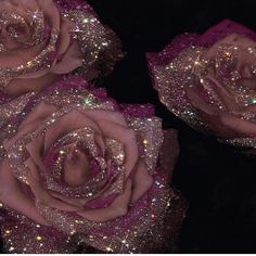mauve roses with crystals - Sara-Shakeel-Crystal-Collage-Digital-Artist - subway station Source by lovemaegan. Boujee Aesthetic, Aesthetic Vintage, Aesthetic Pictures, Glitter Kunst, Glitter Art, Sparkles Glitter, Glitter Roses, Purple Glitter, Pink Roses
