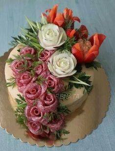 Ensure that your craft service table has a number of snack Party Platters, Party Buffet, Food Platters, Deco Fruit, Meat Trays, Food Carving, Sandwich Cake, Food Garnishes, Fruit Arrangements