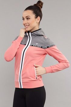 Sporty Outfits, Outfits For Teens, Cool Outfits, Fashion Outfits, Sports Tracksuits, Girls Sportswear, Clothes 2019, Hoodie Outfit, Cool Jackets