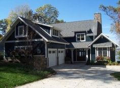 House Exterior Makeover Cottage Style Ideas For 2019 Lake House Plans, Craftsman House Plans, Craftsman Style, Home Exterior Makeover, Garage Makeover, Facade House, House Exteriors, House Design Photos, Traditional Exterior