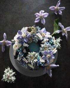 ㅡ Simple soo. 무채색. 좋아해. 특히 회색 ㅡ #flower #cake #flowercake #partycake #birthday #weddingcake #buttercreamcake #buttercream #designcake #soocake #플라워케익 #수케이크 #꽃스타그램 #버터크림플라워케이크 #베이킹클래스 #플라워케익클래스 #생일케익 #수케이크 #클레마티스 #에델바이스 www.soocake.com vkscl_energy@naver.com
