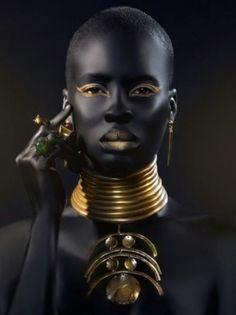 Negro y dorado