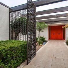 Brandt Ranch Oak built: Gorgeous 1967 mid-century time capsule house in Fort Worth, Texas -- 30 photos - Retro Renovation (Jenny's grandfather) Home Design, Modern House Design, Modern Exterior, Interior Exterior, Midcentury Modern, Mid Century Exterior, Modern Courtyard, Retro Renovation, Ranch Style Homes