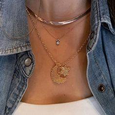 Diy Earrings Dangle, Diy Earrings Easy, Seed Bead Necklace, Pendant Jewelry, Beaded Jewelry, Diy Jewelry Unique, Seed Bead Patterns, Bead Weaving, Creations