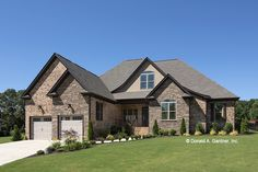 This traditional design floor plan is 1974 sq ft and has 3 bedrooms and has 2 bathrooms. Lake House Plans, Ranch House Plans, Best House Plans, House Floor Plans, Country Style House Plans, Craftsman Style House Plans, Traditional House Plans, Traditional Exterior, Traditional Design