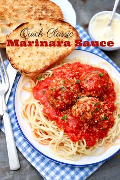 The long-simmered flavor reminiscent of your grandmother's classic marinara sauce can be yours in short order thanks to a brief list of key ingredients and one easy method! Healthy Eating Tips, Healthy Recipes, Delicious Recipes, Whole Food Recipes, Cooking Recipes, Pasta Recipes, Spaghetti Dinner, Spaghetti Sauce, Easy Marinara Sauce