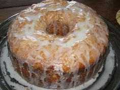"""I make a lot of pound cakes but the flavor of this one is hard to beat. This was the first """"Southern"""" pound cake I ever made. I make a lot of pound cakes but the flavor of this one is hard to beat. This was the first """"Southern"""" pound cake I ever made. 5 Flavor Pound Cake, Pound Cake Recipes, Cake Flavors, Bread Recipes, Easy Recipes, Just Desserts, Delicious Desserts, Dessert Recipes, Dessert Ideas"""