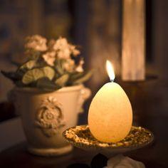 Pääsiäismunakynttilä 5.00 € ja muut kauniit kynttilät <3  http://www.salonsydan.fi/tuote-osasto/kynttilat/