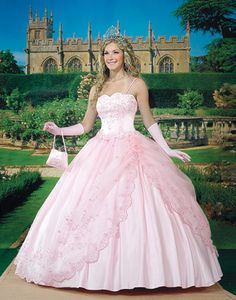 Ideas for Discovering the Perfect Quinceanera Dress. The most crucial aspect of a quinceanera for a girl is her gown! Pretty Quinceanera Dresses, Pink Wedding Dresses, Princess Wedding Dresses, Pretty Dresses, Wedding Gowns, Pink Dresses, Bride Dresses, Pink Princess Dress, Dress 15
