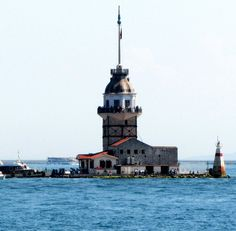 """The 10 most photographed places on Earth. Maiden""""s Tower, Istanbul Turkey - where Europe and Asia meet."""