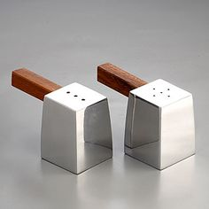 Wood and Metal-Great Design for a Salt & Pepper Shaker