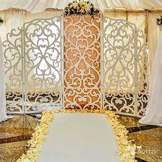 Предлагаю на свадьбу деревянную резную ширму с красивым узором, размеры большие - высота 230, длинна 365 см. к ней идет бел...