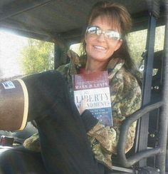 Attention #Twerks #hoodrat fade - Notice the similarity with a certain young lady…  #sarahpalin #WASILLA #Anchorage   #alaska #USA