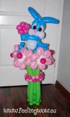 Добрый день, Уважаемые коллеги, хотела бы сделать такого зайчика, но не могу найти нигде МК. Большое спасибо!!! Balloon Bouquet Delivery, Balloon Animals, Balloon Decorations, Balloons, Easter, Events, Birthday, Happy, Flowers