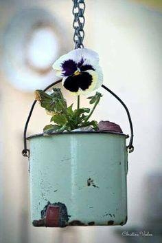 Container Gardening Tips For New Gardeners - Container Gardening Garden Junk, Garden Pots, Container Plants, Container Gardening, Deco Floral, Pansies, Garden Projects, Garden Inspiration, Flower Pots