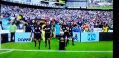Taking the ball Argentina vs Bolivia