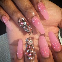 35 Really Chic Pink Nail Designs 2017 Sexy Nails, Dope Nails, Fancy Nails, Pink Nails, Fabulous Nails, Gorgeous Nails, Pretty Nails, Pink Nail Designs, Beautiful Nail Designs
