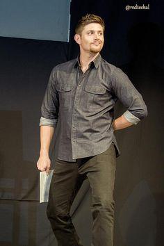 Twitter / redteekal: #JIBCON Jensen strikes a pose ...