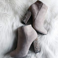 Hot Shoes Make those beautiful chunky jeweled bootie heels yours at the perfect discount price. Available to buy in multiple colors. Dream Shoes, Crazy Shoes, Me Too Shoes, Heeled Boots, Bootie Boots, Shoe Boots, Bootie Heels, Cute Ankle Boots, Dress Boots