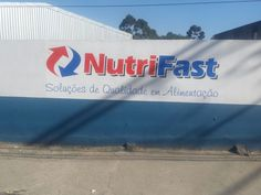 logo pintado em fachada - Nutrifast