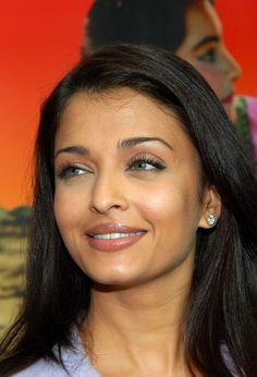 Photo of Aishwarya Rai Candid for fans of Aishwarya Rai 230545 Aishwarya Rai Makeup, Aishwarya Rai Pictures, Aishwarya Rai Photo, Actress Aishwarya Rai, Aishwarya Rai Bachchan, Bollywood Actress, Most Beautiful Indian Actress, Most Beautiful Women, Beautiful People