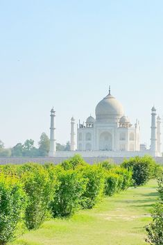 5 BEST places to visit in Agra in one day - india. best places to visit in agra for taj mahal visit in golden triangle indi - Beautiful Places To Visit, Cool Places To Visit, Places To Travel, Travel Destinations, New Travel, India Travel, Travel Tips, Travel Goals, Beach Travel