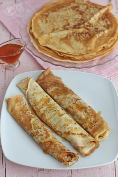 Cuban Desserts, Spanish Desserts, Mexican Food Recipes, Dessert Recipes, Spanish Food, Breakfast Crepes, Crepes And Waffles, Crapes Recipe, Good Morning Breakfast