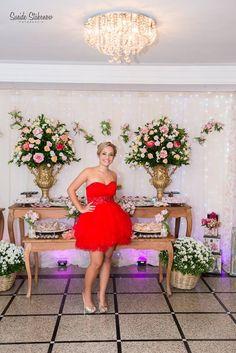 Foto por Sueide Stabenow ❤ Ana Júlia faz 15. Decoração provençal para a debutante + Princesa, tons de rosa, vestido vermelho | Provencal Sweet Fifteen + Blush and pink, princess, red short dress