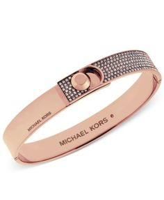 Embellished with dozens of sparkling crystals, this rose gold-tone mixed metal bangle bracelet features an engraved Michael Kors logo and a chic fold-over clas… Trendy Bracelets, Bracelets For Men, Fashion Bracelets, Jewelry Bracelets, Fashion Jewelry, Bangle Bracelet, Michael Kors Earrings, Michael Kors Jewelry, Gold Pendants For Men